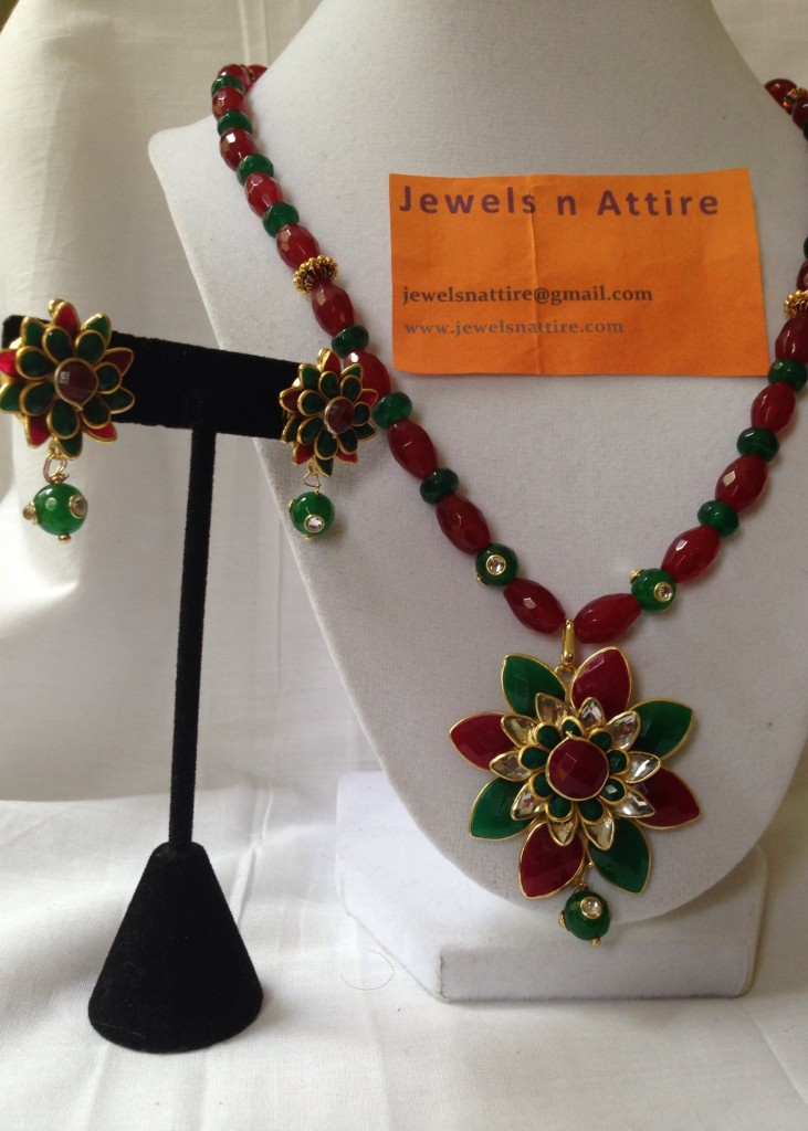 Agates red and green with paachi set