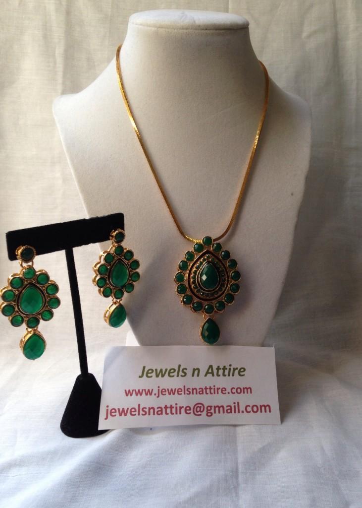 Green pendant set